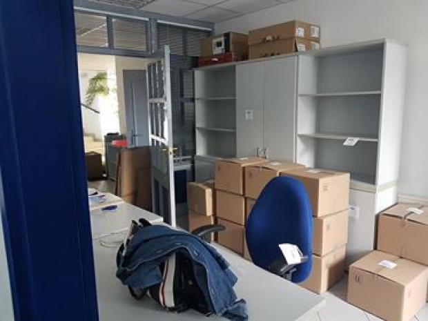 irodaköltöztetés